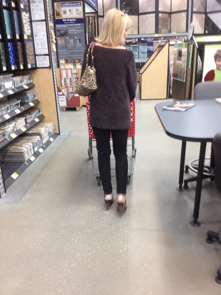 @CreepShot @MILFTEX @SosexyErin @AlwaysBiNikki @HousewifeTiff  Lowes creep...