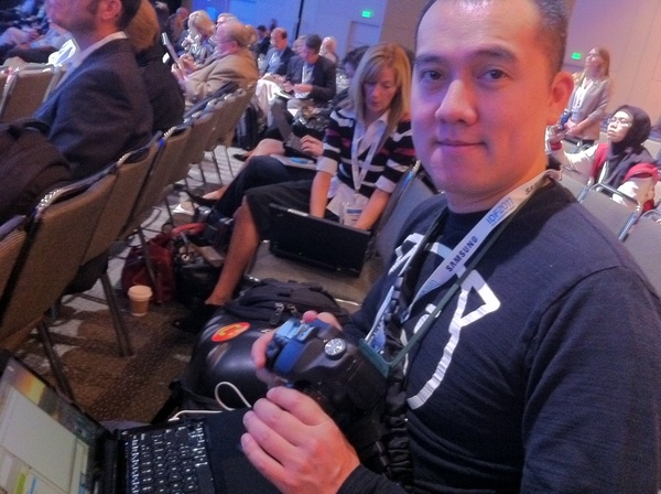 Live blogging #IDF2011 with talented techster @Ubergizmo