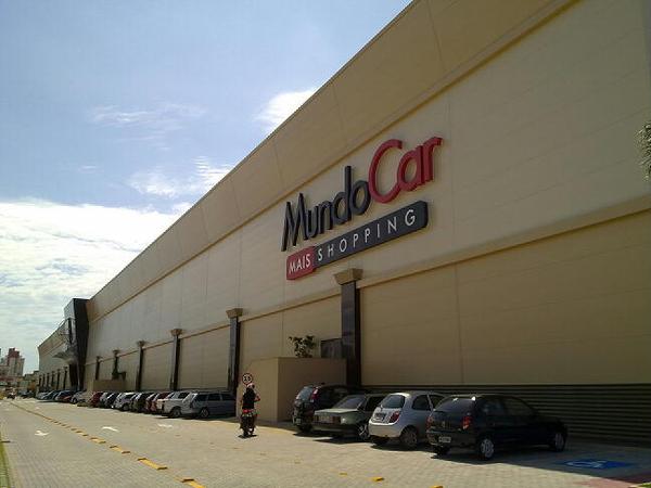 Conhecendo o shopping Mundo Car em São José, grande Florianopolis. Realmente muitas opções em veículos.