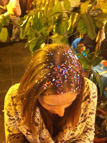 Oaxaca Christmas: we're all covered in confetti!