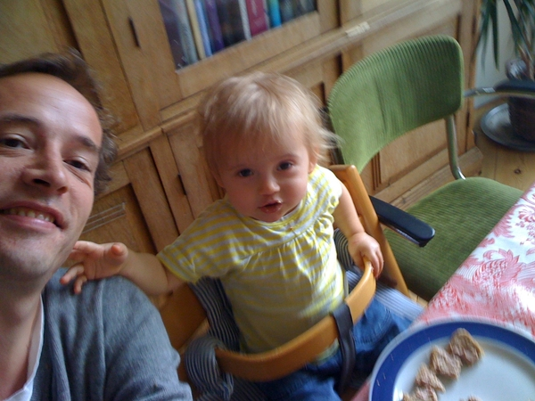 Having lunch with the little Annemijn.