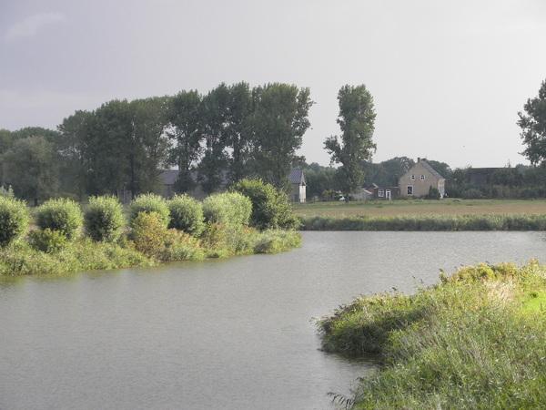 De Guil bij Hengstdijk hedenochtend, er viel hier 25 mm neerslag de afgelopen nacht. #buienradar