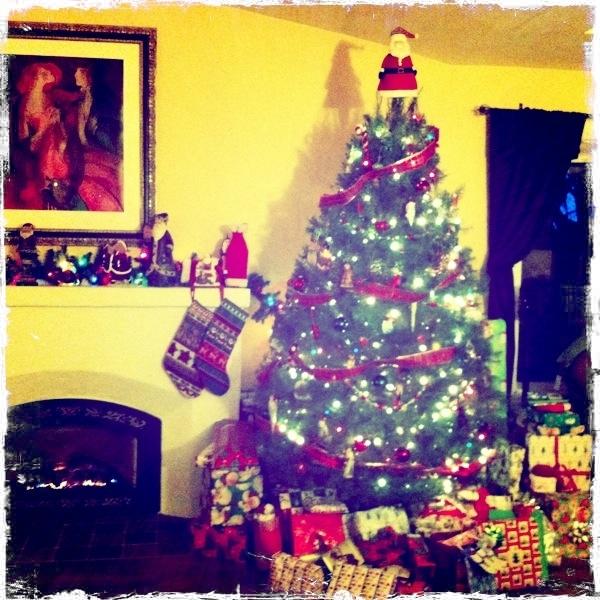 The Christmas tree @cfitzmcgee (my sister)'s house