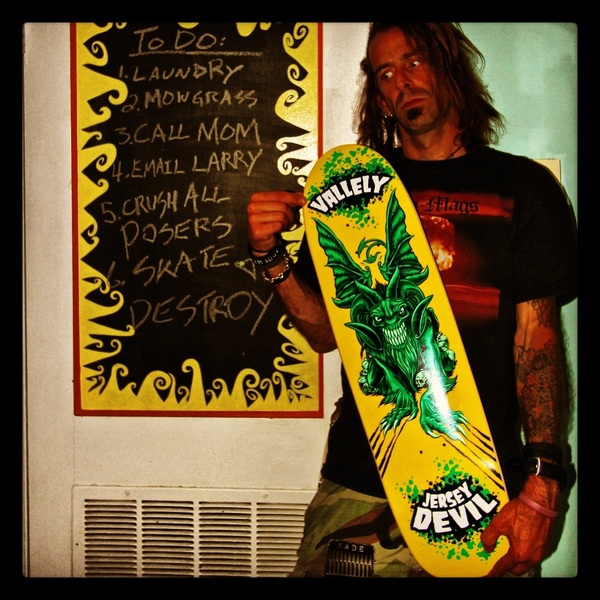 @mikevallely look what just came in the mail- it's beautiful!