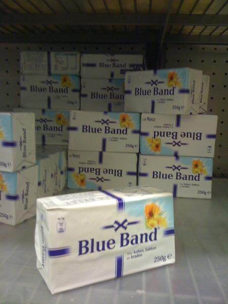 Op een pakje blue band staat het woord 'margarine' helemaal niet meer genoemd.