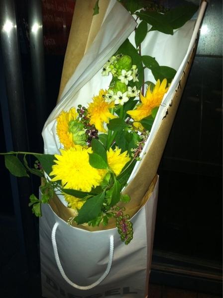 お花とプレゼントをいただきましたありがとう!!