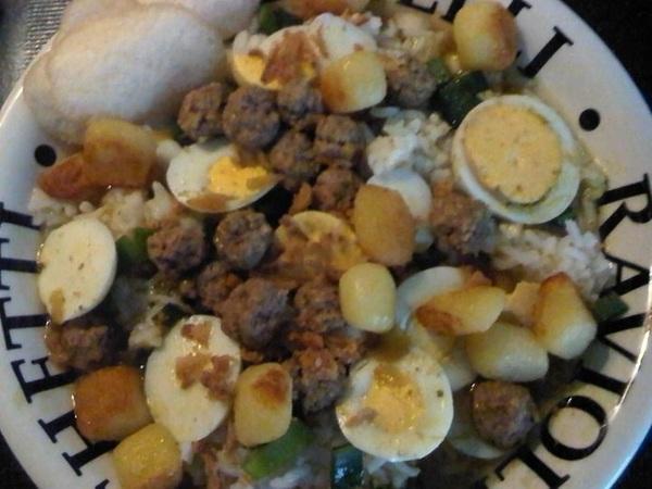 @jojowiththeflow Hierbij de versie van mijn mannetjes. Zij prefereren gehakt ipv kip in soep. Iets met ballen ;) #soto