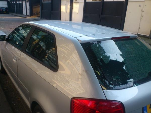 Tis echt een plundering geweest vannacht in de binnenstad van rotterdam! #lijnbaan ook auto's moesten eraan geloven!