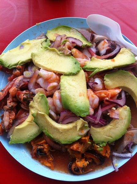 Ensenada: La Guerrerense: 1 of most famous srt vendors n Mex! Mixed plate:9 dif raw&cooked seafood w lime, hot sce
