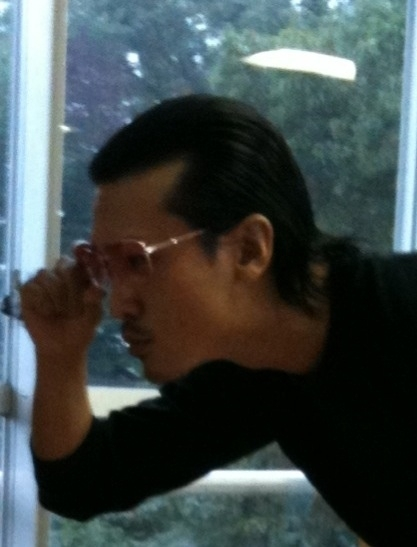 長くなった髪をバッサリ。年末の撮影に向けてまた短髪に。去年の今頃は剃り込みだったな~。仕事で髪型を変えらるのは嬉しいっす。 by 内田讓  (YuzuruUchida) on