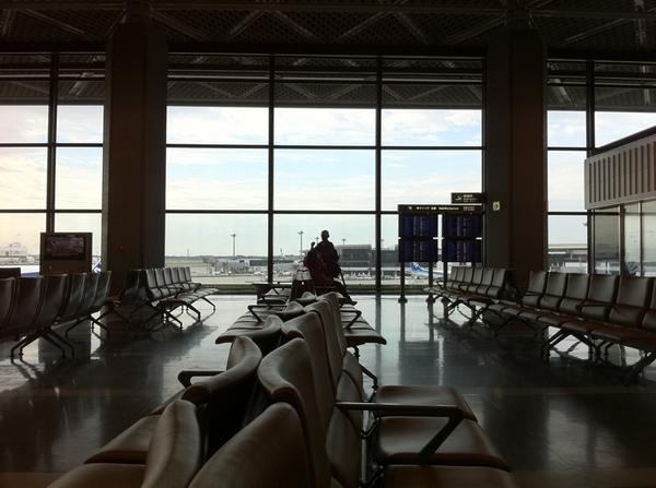 成田空港なう!しかし昨夜からなんと発熱…体調がすこぶるよろしくないなか、旅立ちを迎えます…あう〜(´・_・`)