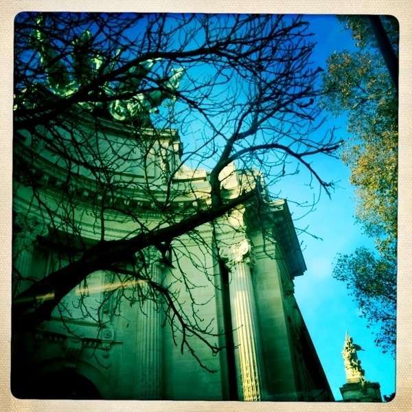 20111121 walking in Paris  2/ piece of Gd Palais #Potd #IPhone4S #Hipstamatic