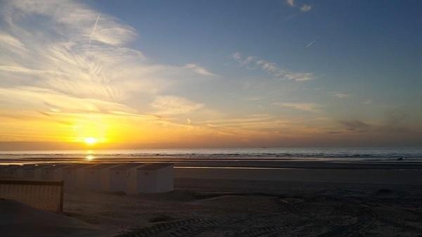Ondergaande zon Nieuwpoort Bad #zomer#zonsondergang #buienradar
