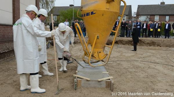 In @wijkmolenhoek #rosmalen vond vandaag de officiële aftrap voor (ver)bouw #molenhoekpassage plaats.