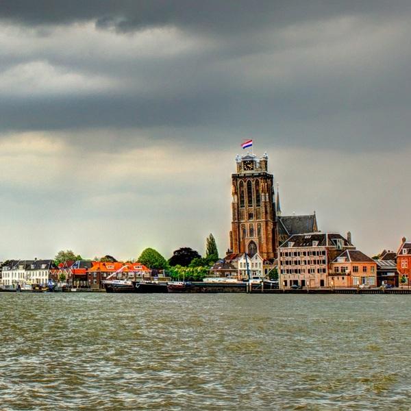 Zicht op Dordrecht in HDR