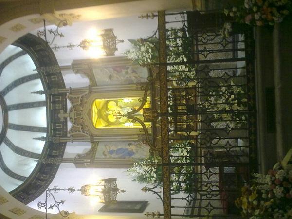 En la iglesia del valle cn las primas!