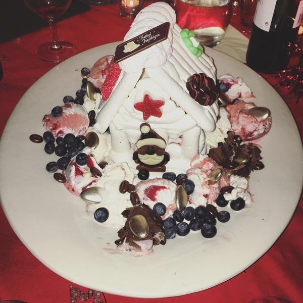 De kersttraditie ☃️🎄 #omassneeuwhuis #traditie #familytime #christmas