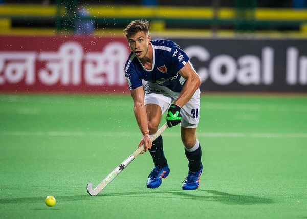 Can't wait to go out again with  @dabangmumbaihc v @delhiwaveriders tonight! Livestream @hotstar.com 19.20pm local time (14.50 NL tijd) #DilSeDabang #TheAlphas 💪🏼💥
