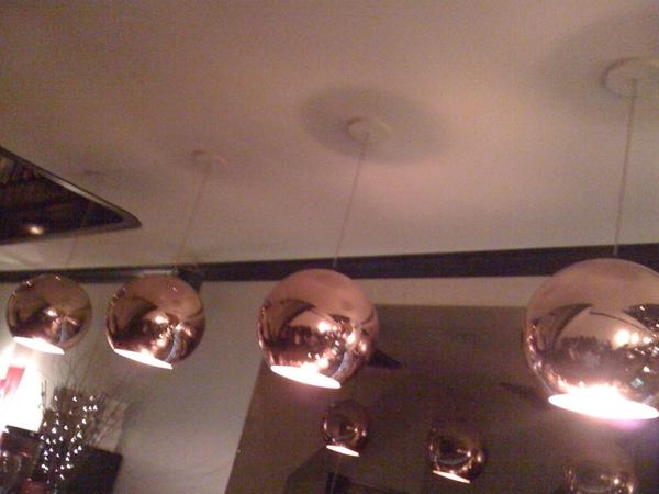 Grote ballonnen aan t plafond. @specialbite Special Restaurant.