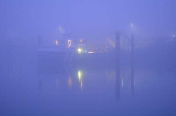 Het was mistig vanmorgen in de haven van het Zeeuwse Yerseke. #buienradar