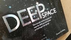 *gaat nog maar eens verlekkerd bladeren en rondstruinen in nieuwe boek 'deep space'*