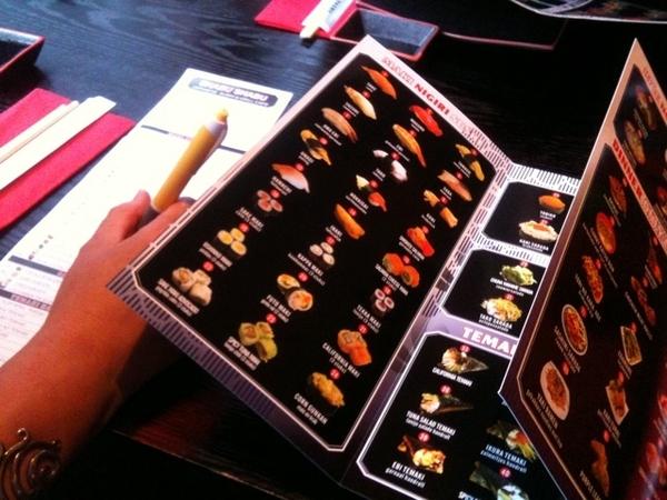 Sushi uitzoeken! :)