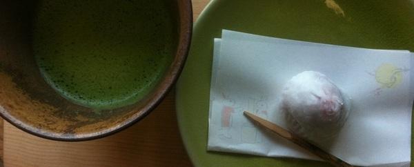 お薄と。 いただきました。   ゆくん、じいじ(福岡)の畑産いちご。でつくってくださった、  ゆくん、ママ手づくり、いちご大福。