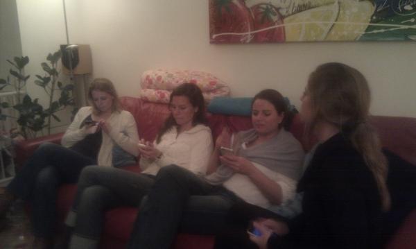 bij #twinner071 zitten we dus gezellig naast elkaar (te twitteren)
