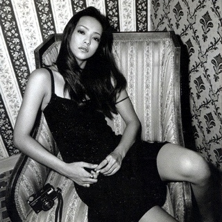 #NowPlaying ♫ 安室奈美 'Body Feels EXIT (Latin House Mix)' http://tln.kr/280i 출근길.. 피곤하다.. 배도 고프네.. 게다가 덥다..
