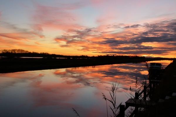 Een mooie zonsondergang in De Deelen. #buienradar