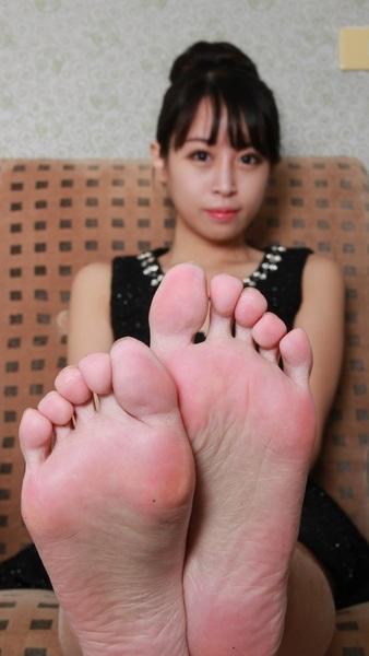 #iPhone5 #Wallpaper #Asian SUPER CLOSEUP #Feet #Toes #Soles
