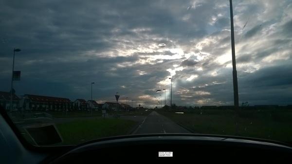 Een bijzondere lucht met zelfs een UFO.... #buienradar