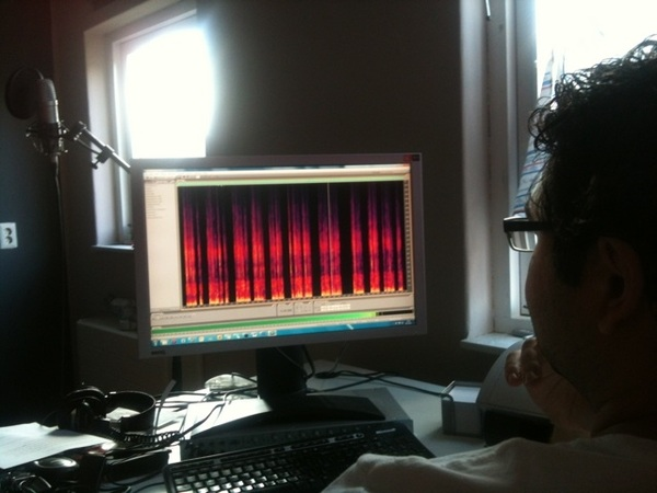 @rachidfinge maakt een kunstwerk van mijn stem. Binnenkort in de bioscoop. #Somnium