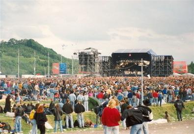 Was bij Pinkpop 1993 met Black Crowes, Lenny Kravitz, Betty serveert. http://prbt.nl/0EEB6882