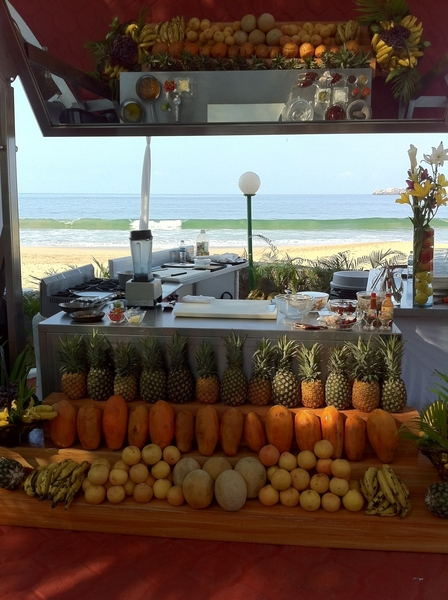 Set up for my 2nd Mkt2Table demo (on beach!) @ Food&Wine festival Ixtapa. Chef Pechora @ Dorado Hotel=dream2work w