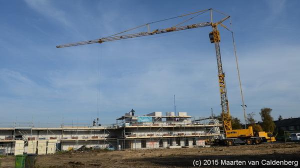 De bouw bij #molenhoekpassage in @wijkmolenhoek #rosmalen door @bouwenisbeleven gaat de hoogte in