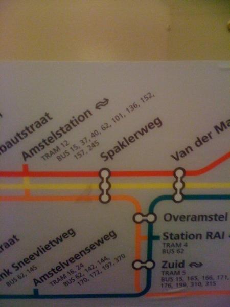 Weet nooit of ik bij Van der madeweg of bij overamstel zal overstappen om zo snel mogelijk op Amstel te zijn.