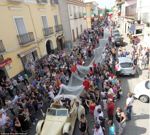 italian brought to standstill by record breaking wedding