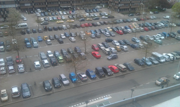 #druk op de parkeerplaats van #ziekenhuis #rijnstate #velp