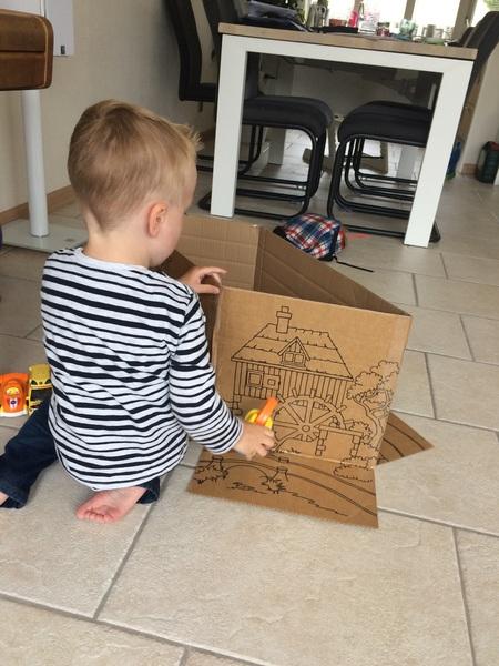 De verpakkingsdoos van @lobbesnl alleen al bezorgt heel veel speelplezier