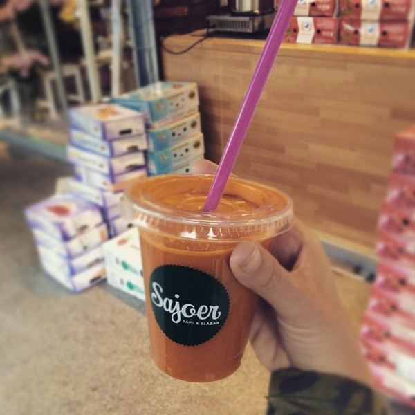 Energyboost of today #slowjuice #energy #juice #carrot #apple #celery #lemon #ginger #sajoer #markthal #rotterdam #energyboost