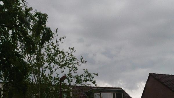 Enge onweerswolken Nieuwegein #buienradar