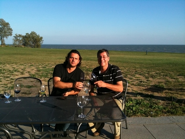 Zoltan Szabo & I sharing a new sustainable varietal at Viewpointe winery. Beaut wine, beaut day!