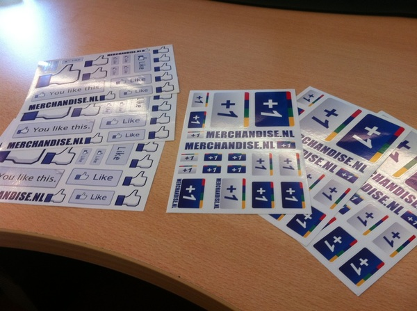 Cool! Like en +1 stickers binnen! Thanks to @merchandise!