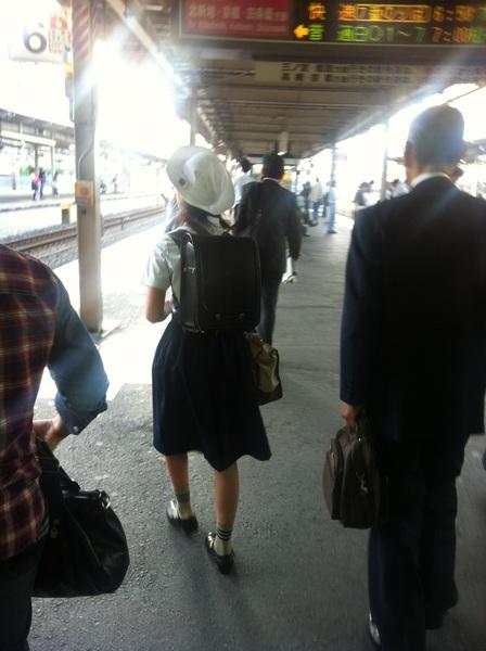 けさは、わたくしも、 朝用事で、大阪まで、 でます。