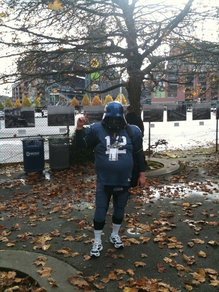 Even 12th man Darth Hawk could not slow down the NY Giants in Seattle. #QwestField