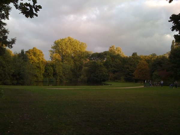 Evening run in the Vondelpark, now off to my weekly yoga-class