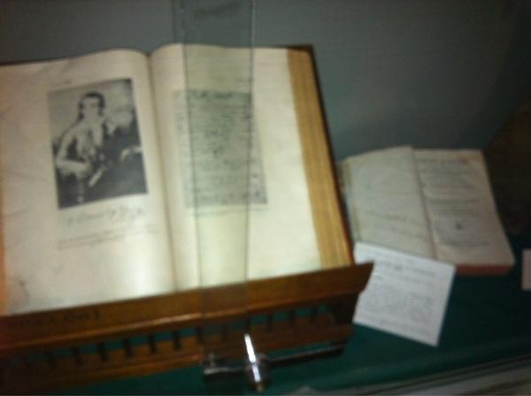 Escritos de Eugenio Espejo y que pertenecieron al médico de la Colonia #Quito #ciespalmovil