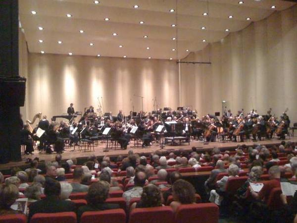 Nu het openingsconcert van http://www.gergievfestival.nl in het Nwe Luxor