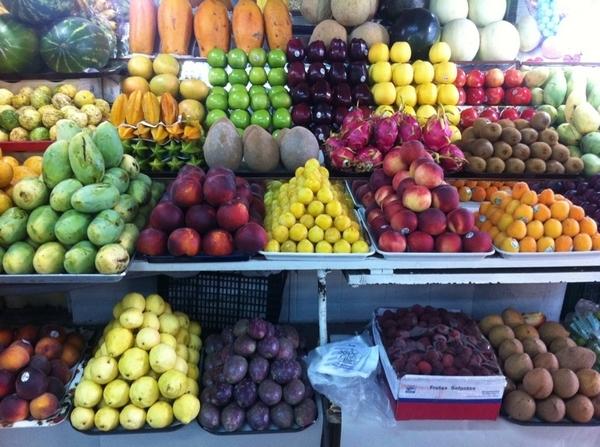 San Juan Market, DF: stunning fruit stall: incred dragon fruit, mango manila, guavas